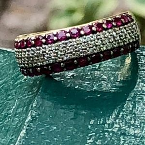 Jewelry - 14K Size 7 Gold Ring With Dust Diamonds and Ruby's